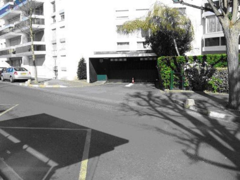 Location de parking - Le Chesnay - proche Place de la Loi