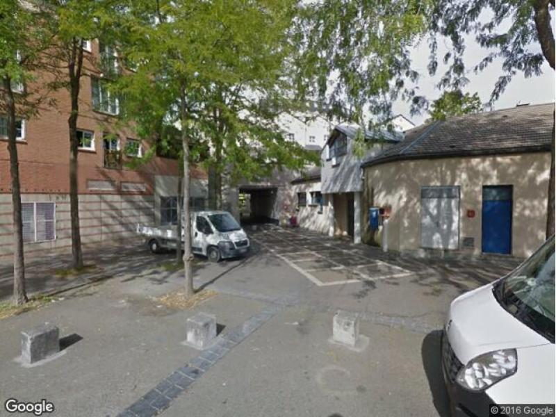 location de parking montigny le bretonneux centre ville. Black Bedroom Furniture Sets. Home Design Ideas