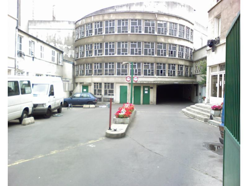 Place de parking à louer - Paris 75018 -  - 130 euros - 73 Rue Riquet, 75018 Paris, France