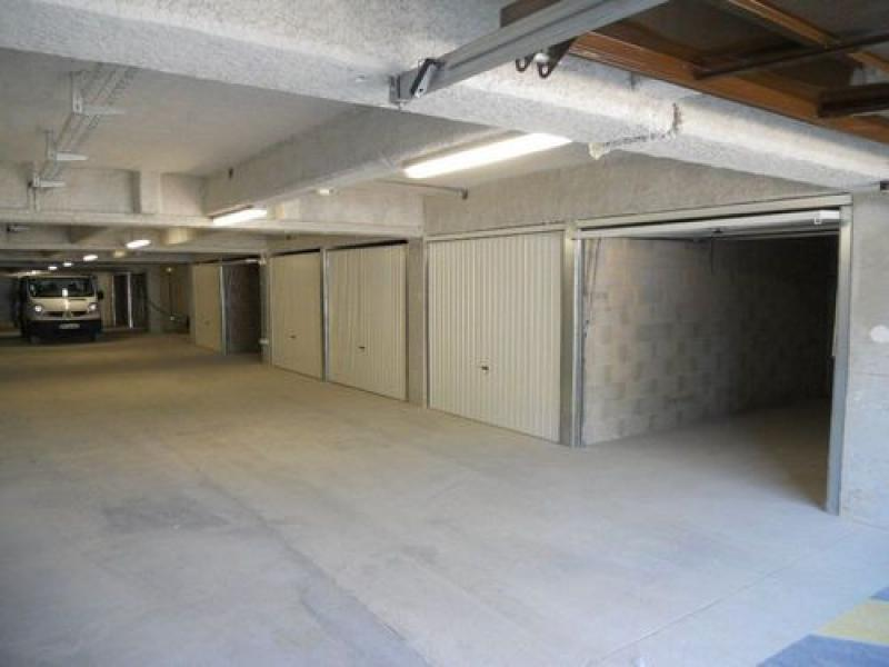 Parking louer saint julien en genevois centre - Garage saint julien en genevois ...