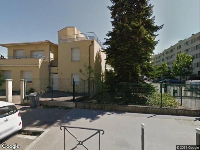 Location de garage villeurbanne buers nord for Garage rue des bienvenus villeurbanne