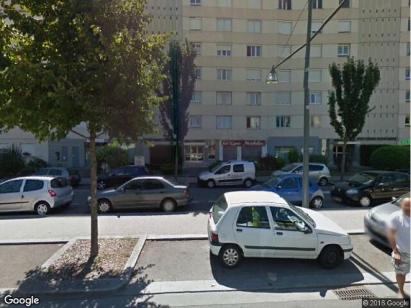 Location de box villeurbanne croix luizet est for Garage du tram villeurbanne