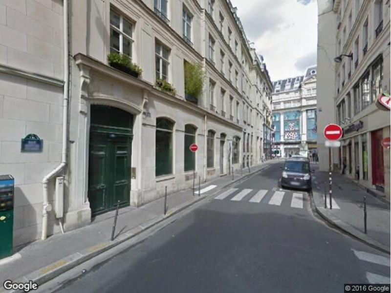 Place de parking à louer - Paris 75001 - 15 Rue Bertin Poirée, 75001 Paris, France
