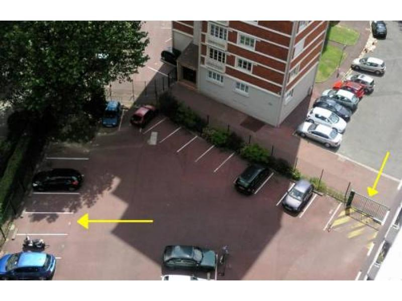Place de parking à louer - Lille 59000 - Lille Grand Palais