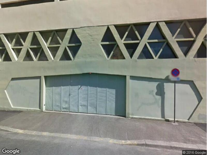 place de parking louer clermont ferrand 63000 42. Black Bedroom Furniture Sets. Home Design Ideas