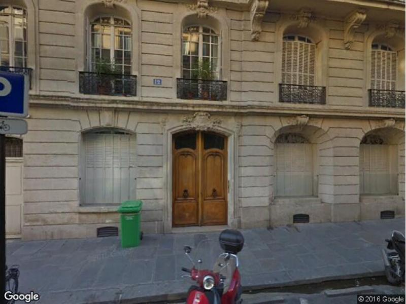 Place de parking à louer - Paris 75008 - 12 Rue Paul Baudry, 75008 Paris, France - 100 euros