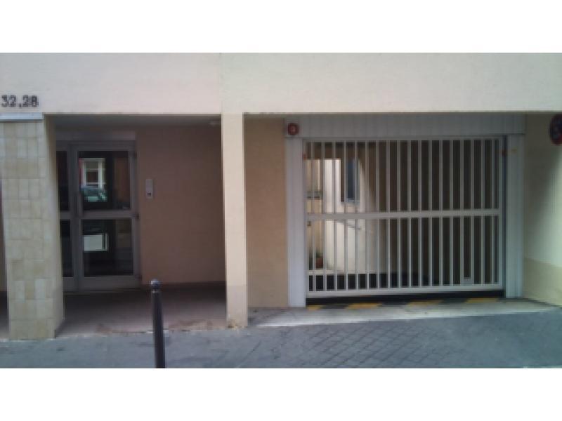 place de parking louer paris 75014 petit montrouge. Black Bedroom Furniture Sets. Home Design Ideas