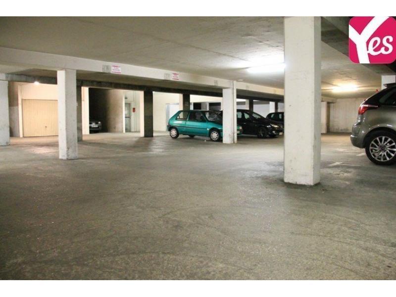 place de parking louer saint ouen 21 rue desportes. Black Bedroom Furniture Sets. Home Design Ideas