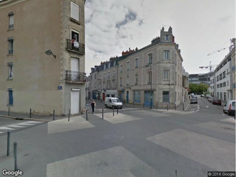 Location de garage nantes 17 rue laennec for Louer garage nantes