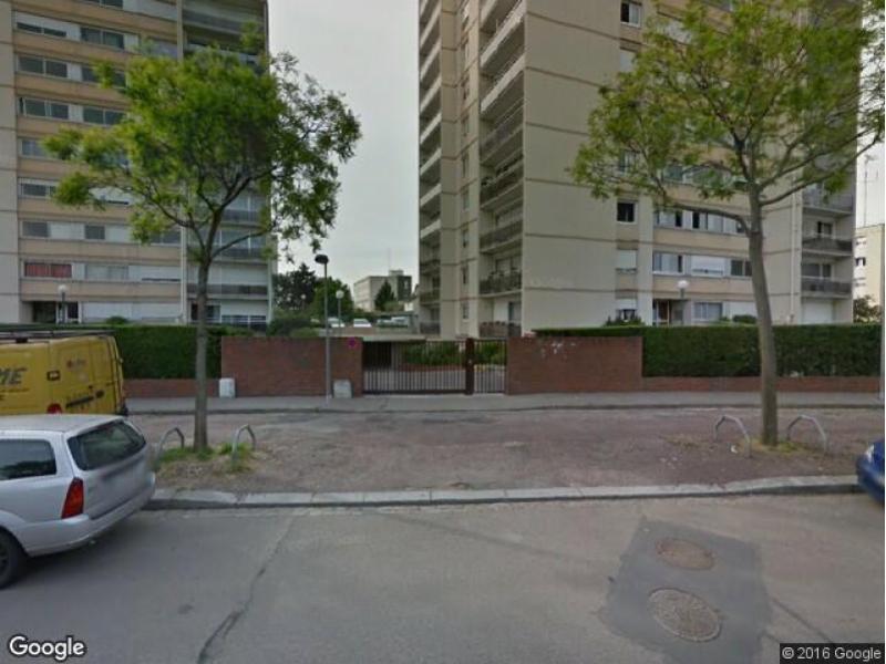 place de parking louer rouen 43 rue pierre renaudel. Black Bedroom Furniture Sets. Home Design Ideas