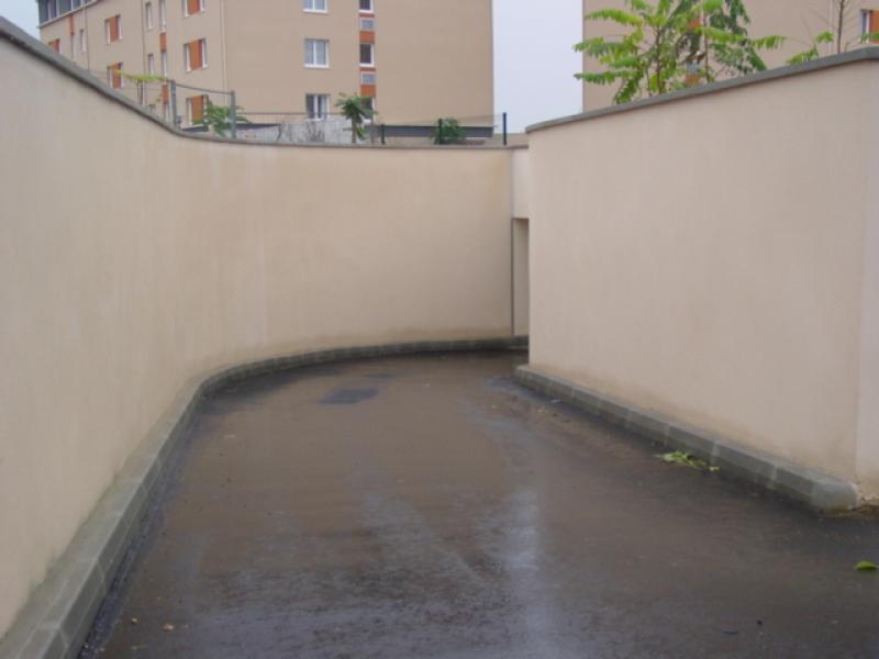 Location de parking caen rue du clos beaumois - Location utilitaire caen ...