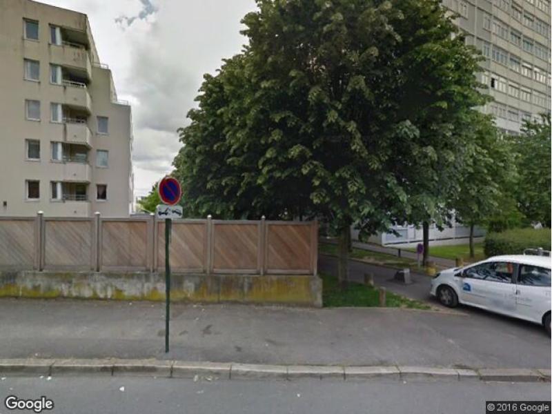 location de box bagneux 11 rue de la sarrazine. Black Bedroom Furniture Sets. Home Design Ideas