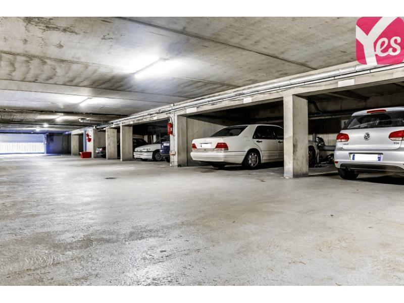 location de parking nantes 5 rue des chal tres. Black Bedroom Furniture Sets. Home Design Ideas