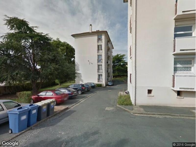 Location de parking poitiers rue du clos de la roche for Garage moto poitiers