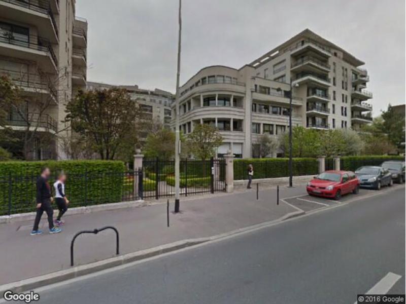 Location de parking courbevoie 199 boulevard saint denis for Garage moto courbevoie