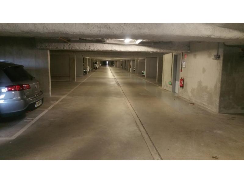 location de parking aix les bains boulevard pr sident. Black Bedroom Furniture Sets. Home Design Ideas