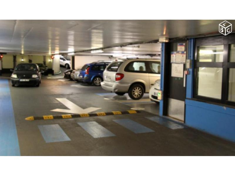 Paris 4 - 5 rue Pernelle - Location de place de parking