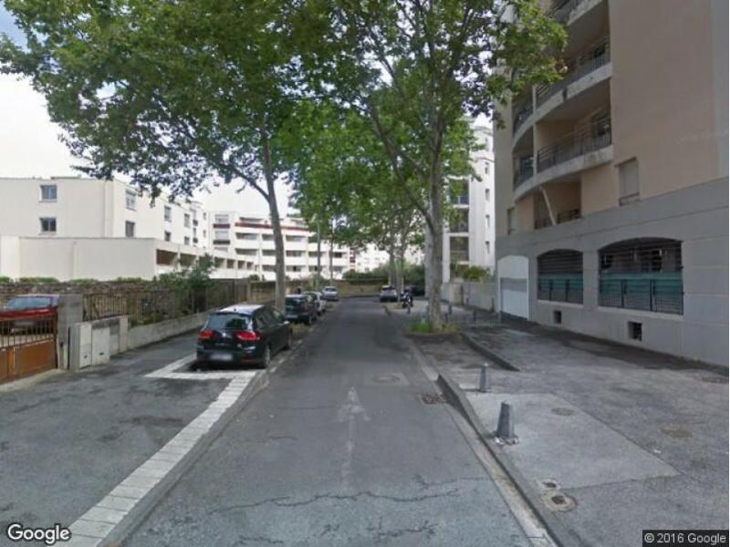 location de parking montpellier rue des gabares. Black Bedroom Furniture Sets. Home Design Ideas