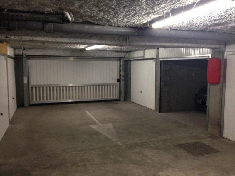 Location de garage lyon 7 place des pavillons for Achat box garage lyon