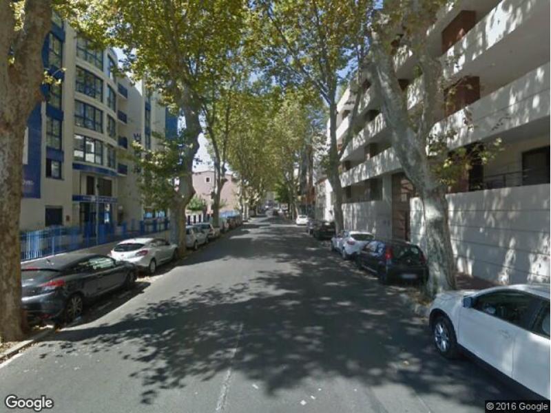 Location de garage montpellier avenue du pont juv nal for Garage location pont
