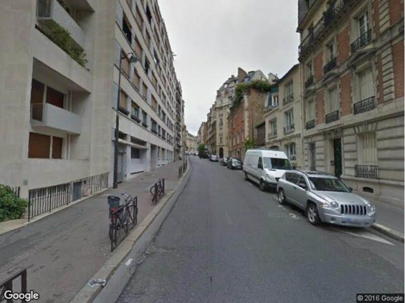 Place de parking à louer - Paris 75016 - Rue de Boulainvilliers, 75016 Paris, France