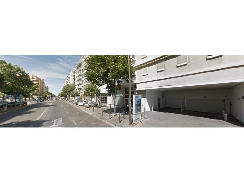 parking louer marseille 8 75 boulevard rabatau. Black Bedroom Furniture Sets. Home Design Ideas