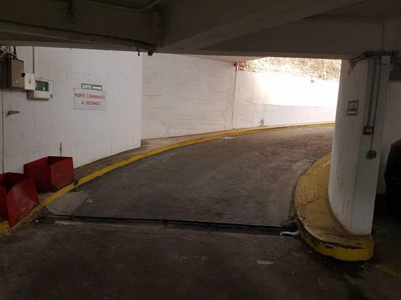 Location de parking - Montrouge - 110 avenue Aristide Briand