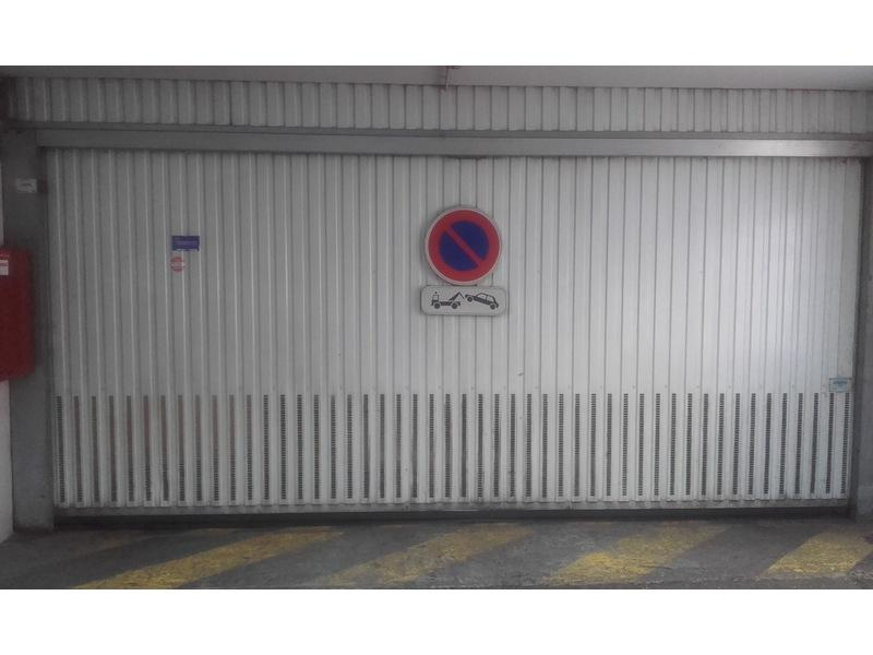 Parking louer lyon 8 13 rue antoine lumi re for Garage avatacar lyon 8