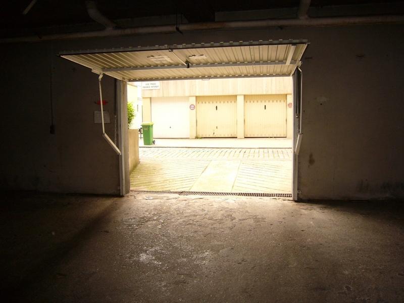 vente de box paris 14 33 rue du commandeur. Black Bedroom Furniture Sets. Home Design Ideas