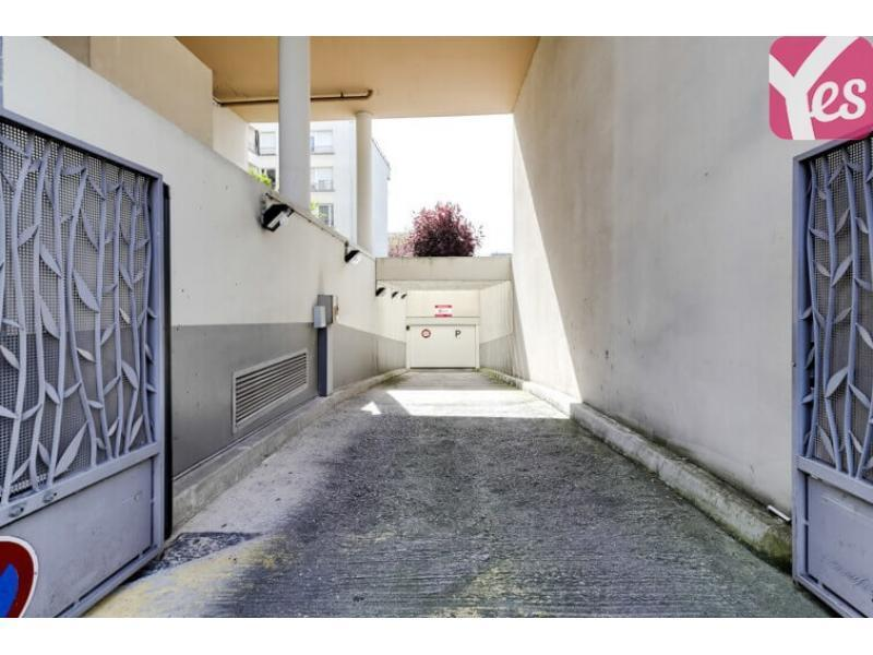 Location parking saint denis garage parking box louer for Garage danielle casanova