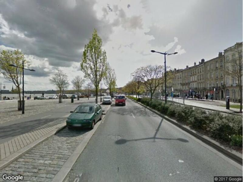 Location de parking bordeaux quai des chartrons for Appartement bordeaux quai des chartrons location
