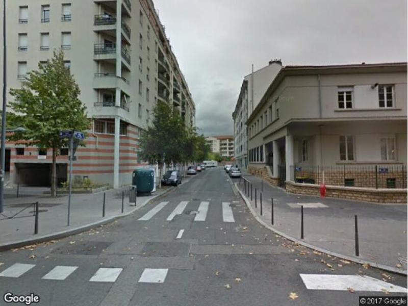 Location de parking villeurbanne rue de b t yam for Garage rue des bienvenus villeurbanne
