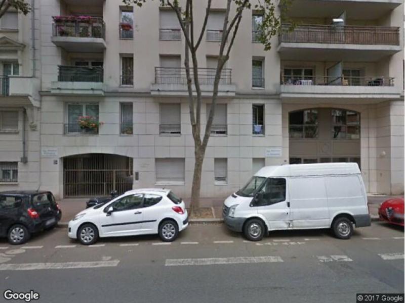 place de parking louer issy les moulineaux 144 avenue de verdun. Black Bedroom Furniture Sets. Home Design Ideas