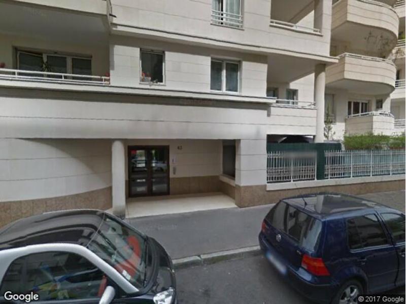 Place de parking louer courbevoie 43 rue jules ferry for Garage moto courbevoie
