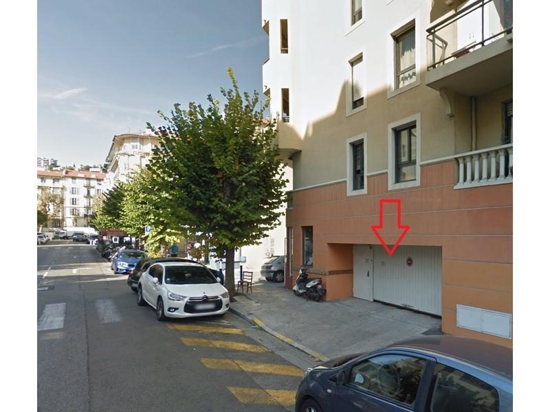 Location de garage nice 38 rue vernier for Garage parking nice