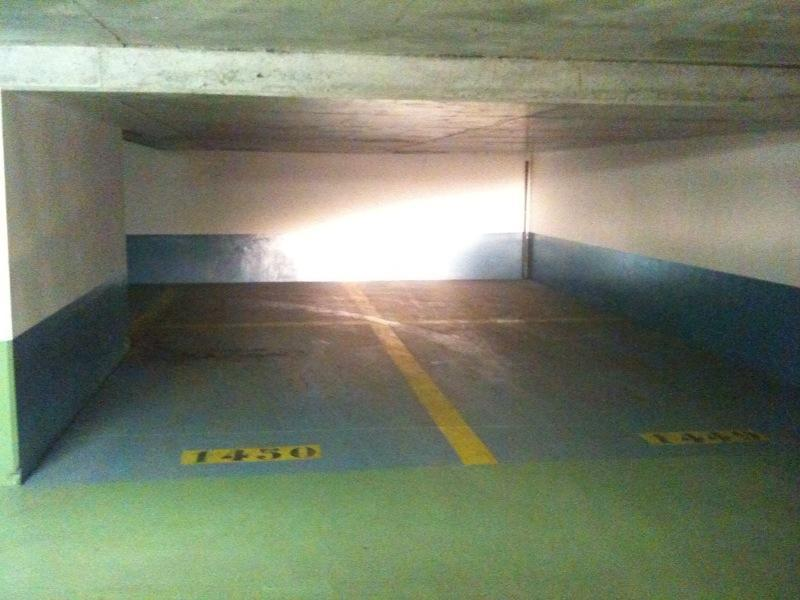 Place de parking à louer - Courbevoie 92400 - 6 Rue de Bitche, 92400 Courbevoie, France