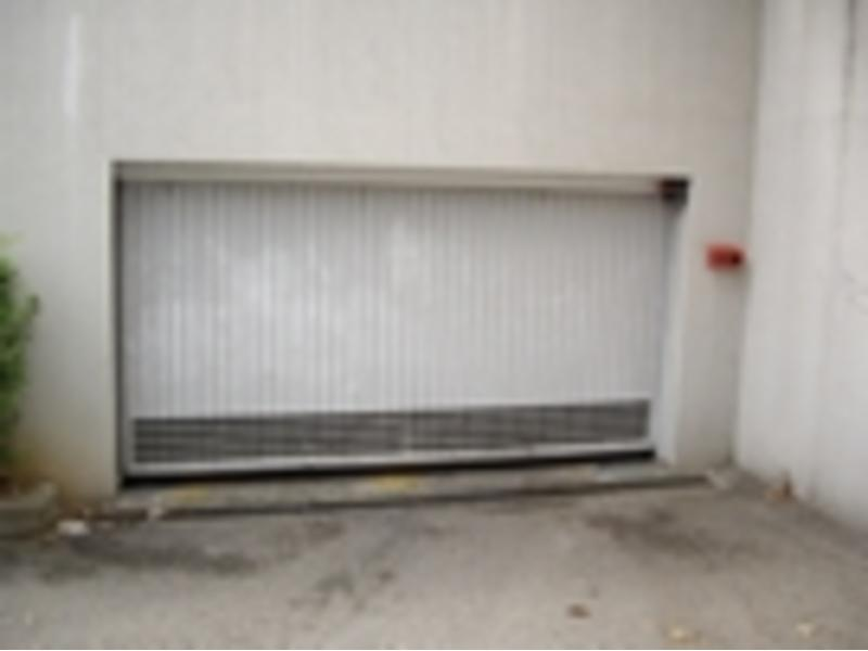 Location de garage lyon 8 17 rue antoine lumi re for Garage lyon 2
