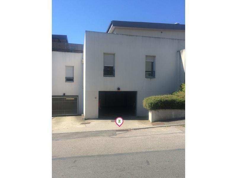 Location parking mus e paul dini gleize garage parking for Achat box garage lyon