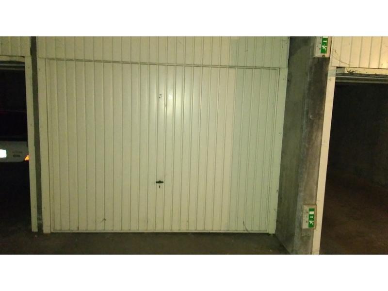 Location de garage lyon 7 85 avenue debourg for Garage coquard lyon 7