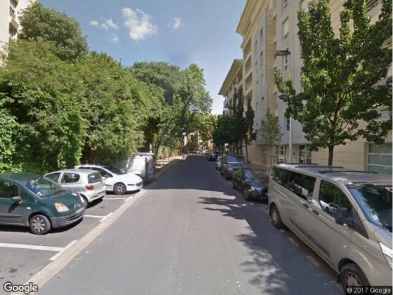 location de parking montpellier rue de montr al. Black Bedroom Furniture Sets. Home Design Ideas