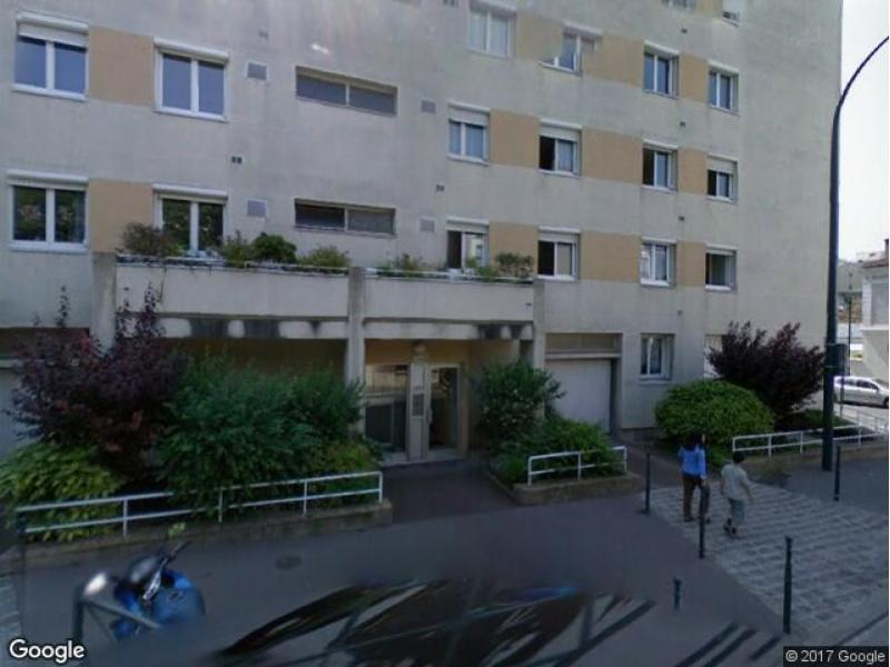 place de parking louer asni res sur seine 52bis rue du ch teau. Black Bedroom Furniture Sets. Home Design Ideas