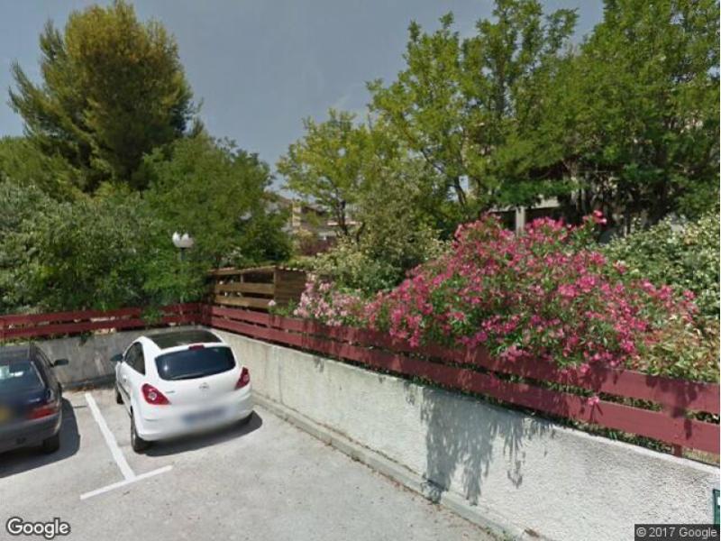 location de garage marseille 12 89 rue saint jean du d sert. Black Bedroom Furniture Sets. Home Design Ideas