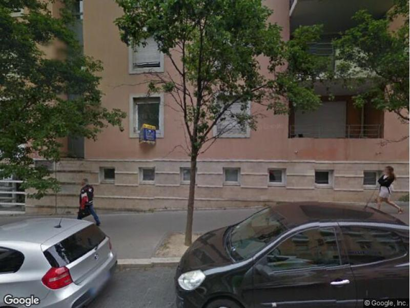 place de parking louer aix en provence 590 avenue. Black Bedroom Furniture Sets. Home Design Ideas