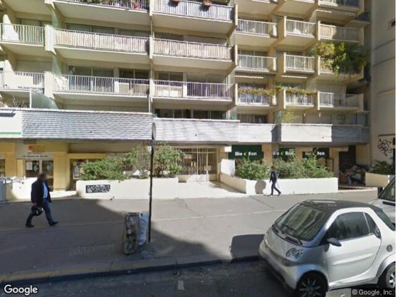 place de parking louer paris 11 142 rue saint maur. Black Bedroom Furniture Sets. Home Design Ideas
