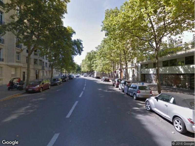 Place de parking à louer - Paris 75017 - Avenue Gourgaud, 75017 Paris, France - 165 euros