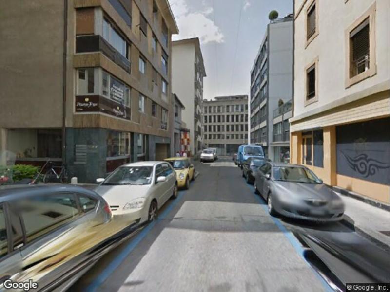 location de parking gen ve rue de l 39 est. Black Bedroom Furniture Sets. Home Design Ideas