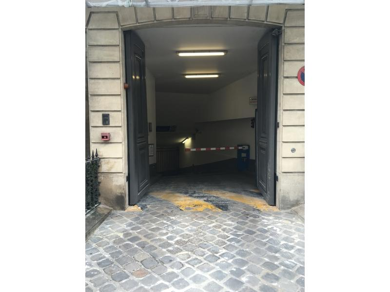 Abonnement Parking OPnGO 15 Avenue Matignon, 75008 Paris, France