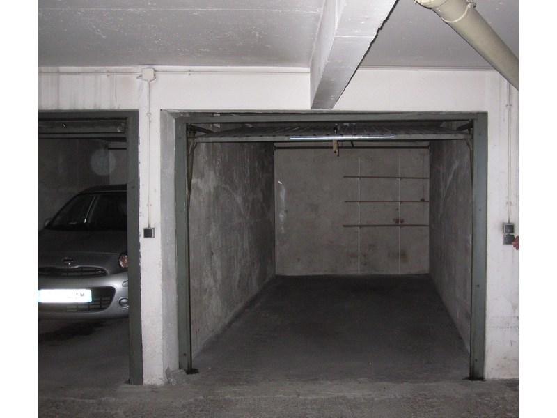 place de parking louer paris 75015 9 rue armand moisant. Black Bedroom Furniture Sets. Home Design Ideas