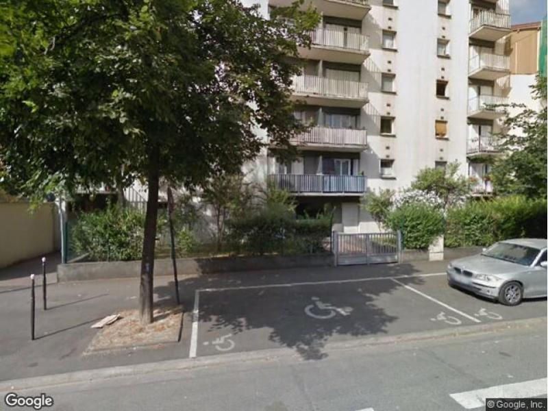 place de parking louer ivry sur seine 94200 114 avenue danielle casanova. Black Bedroom Furniture Sets. Home Design Ideas