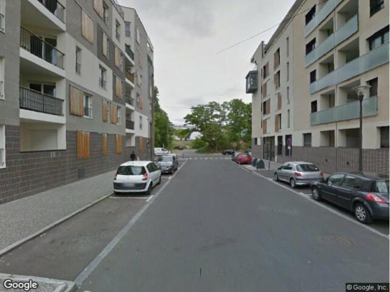 place de parking louer cergy 2 rue des petits pr s. Black Bedroom Furniture Sets. Home Design Ideas